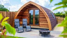 13 Amazing Treehouse Holidays With a Hot Tub in the UK [2021] Essex Countryside, Glamping Holidays, Luxury Glamping, Rural Retreats, Shepherds Hut, Beautiful Places To Visit, Amazing Places, Exposed Wood, The Ranch