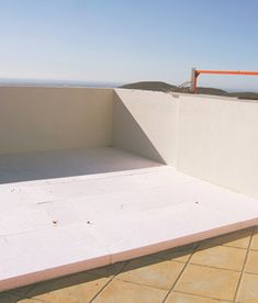 Isolation. Thermal Insulation in Houses:walls, floors and roofs.Naturalinsulation Cork.External Thermal Insulation ETICS STO. Algarve. Portimão, Lagos.