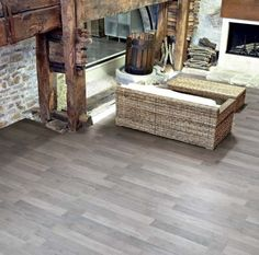 Patio design by Rex - wood and be installed outside now with floor tiles by Rex. Tapis Design, Tile Design, Wood Effect Porcelain Tiles, Outside Flooring, Small Courtyards, Wood Planks, Entryway Tables, Tile Floor, Dupes