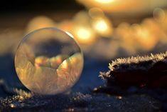Spectacular Photos of Bubbles Frozen in Frigid Temperatures - My Modern Metropolis
