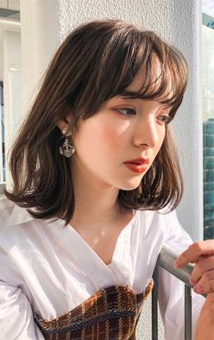 Pin on 髪型 Korean Hairstyle Medium Bangs, Asian Hair Bangs, Korean Hairstyles Women, Redhead Hairstyles, Short Hair With Bangs, Summer Hairstyles, Hairstyles With Bangs, Japanese Hairstyles, Asian Hairstyles