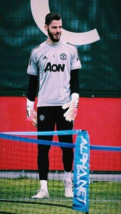 Manchester United Legends, Manchester United Players, European Soccer, Ac Milan, Chelsea Fc, Tottenham Hotspur, Goalkeeper, Liverpool Fc, Cristiano Ronaldo