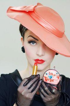Muna Nazak - Idda van Munster Pin Up Vintage, Vintage Soul, Mode Vintage, Vintage Glamour, Vintage Looks, Retro Vintage, Vintage Trends, Unique Vintage, Vintage Designs