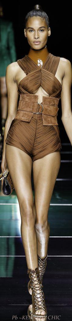 Balmain Spring 2016 Ready-to-Wear Fashion Show Brown Fashion, High Fashion, Fashion Show, Christophe Decarnin, Balmain Collection, Runway Fashion, Womens Fashion, Paris Fashion, French Fashion Designers