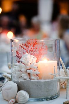 coastal/beach table decor. Great for a summer dinner party-- could use inexpensive Ikea lanterns as well