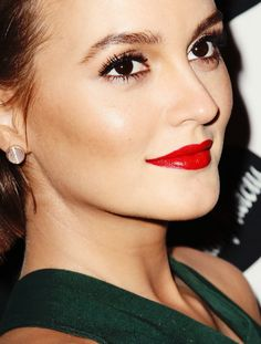 Leighton Meester red lip
