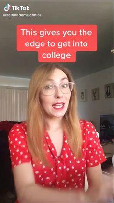life hacks videos for school High School Hacks, College Life Hacks, High School Life, Life Hacks For School, School Study Tips, College Tips, School Tips, School Stuff, School Looks