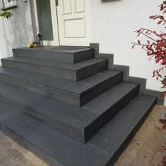 External staircase made of natural stone – Fliesen-Seitz Mannheim – tiles for modern living … - Gartenhaus diy Outside Stairs, Outdoor Stairs, House Entrance, Garden Entrance, Tree House Interior, External Staircase, Front Door Steps, Patio Steps, Modernisme