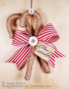 Ornaments and other Christmas crafts I need more ideas like this for my Old time country Christmas Rustic Christmas Ornaments, Prim Christmas, Homemade Christmas, Winter Christmas, Christmas Decorations, Homemade Ornaments, Christmas Bows, Primitive Ornaments, Dough Ornaments