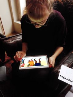 StineStregen tegner julekort på Samsung Tablet.
