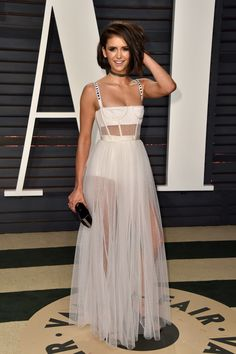 Nina Dobrev attends the 2017 Vanity Fair Oscar Party hosted by Graydon Carter at Wallis Annenberg Center for the Performing Arts on February 2017 in Beverly Hills, California. Celebrity Red Carpet, Celebrity Style, Nina Dobrev Style, Look Fashion, Fashion Outfits, Graydon Carter, Dior Dress, Vanity Fair Oscar Party, Looks Chic