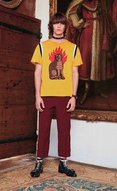 "Alessandro Michele presented for the first time in Gucci's history a Cruise collection for men. ""The men's Cruise collection was an excellent occasion to best depict my idea of eccentricity. Everything started from my great... »"