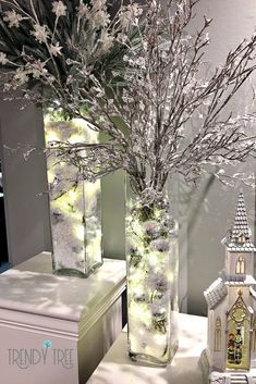 Use Lights and Faux Snow in your Lantern – Trendy Tree – Design Christmas Vases, Silver Christmas Decorations, Christmas Centerpieces, Winter Christmas, Christmas Home, Winter Wonderland Centerpieces, Lantern Christmas Decor, Winter Wonderland Christmas Party, Christmas Ideas