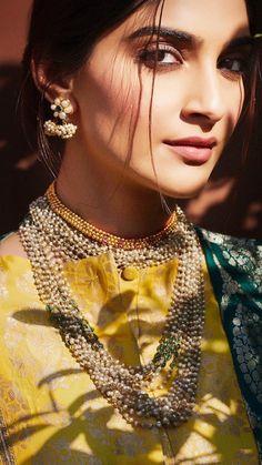 Malang, Bollywood Saree, Bollywood Fashion, Diva Fashion, Couture Fashion, Asian Fashion, Fashion Ideas, Hollywood Actresses, Indian Actresses