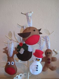 Set of 5 Handmade Felt Christmas Tree by SunnyBunnyCraft on Etsy, £15.00