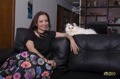 FotoZoo te permite capturar bellos instantes en la comodidad de tu casa junto a tu mascota. Vive una nueva experiencia en la fotografía de mascotas. Shoulder Bag, Fashion, Home, Pet Photography, Fotografia, Moda, Fashion Styles, Shoulder Bags, Fashion Illustrations