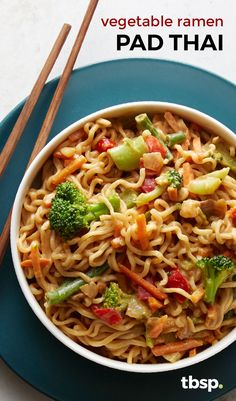 Need a money-saving dinner that tastes like a million bucks? This veggie ramen pad thai knocks it out of the park. Packed with ramen noodles, fresh veggies and topped with a savory peanut sauce, it's ready to eat in 15 minutes and it's a weeknight dinner winner.