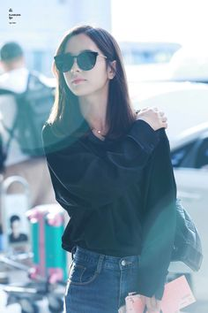 Kpop Girl Groups, Kpop Girls, Korean Photography, Photography Poses, Wheein Mamamoo, Cosmic Girls, Korean Actresses, Starship Entertainment, Kpop Outfits