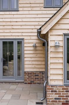 Ideas Exterior Cladding Grey Window Frames For 2019 Wood Cladding Exterior, Oak Cladding, House Cladding, Exterior Siding, Exterior House Colors, Exterior Design, Cladding Systems, Grey Window Frames, Door Frames