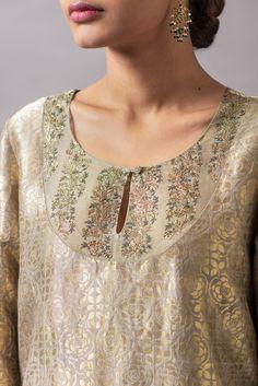 Neck Designs For Suits, Neckline Designs, Kurti Neck Designs, Dress Neck Designs, Kurta Designs Women, Blouse Designs, Stylish Kurtis, Stylish Sarees, Silk Kurtas