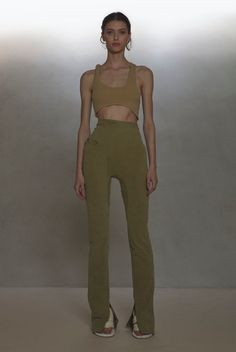 yeezy paris fall 2020 ready to wear Runway Fashion, High Fashion, Fashion Outfits, Womens Fashion, Mode Ootd, Yeezy Fashion, Looks Style, Aesthetic Clothes, Ready To Wear