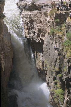 Colca Canyon: Der Aussichtspunkt über eine der tiefsten Schluchten der Welt ist einfach fantastisch und zudem beliebtes Fotomotiv im Süden Perus.
