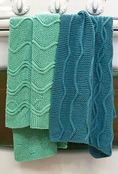 Cotlin Hand Towels with Traveling Stitch Designs pattern by Linn Sajdak Linen hand towels. Would like to knit a couple more. They are well loved. Knitted Washcloths, Crochet Dishcloths, Knitted Blankets, Crochet Home, Knit Or Crochet, Knitting Patterns, Crochet Patterns, Knitting Ideas, Knit Picks
