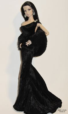 Luxe in black gown