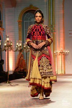 Mandira Wirk. India Bridal Fashion Week, 2013.