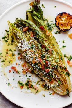 Grilled Romaine Salad with Charred Lemon Vinaigrette Recipe .-Grilled Romaine Salad with Charred Lemon Vinaigrette Recipe Grilled Romaine Hearts, Grilled Romaine Salad, Lettuce Romaine, Vegetarian Recipes, Cooking Recipes, Healthy Recipes, Meat Recipes, Grill Recipes, Lemon Recipes