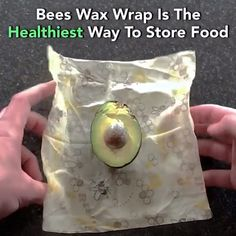 Reusable Beeswax Food Wrap - Now 72 Off Never buy plastic wrap, sandwich bags or plastic containers again with the revolutionary Beeswax Wrap! ♻️ Reusable Up To 250 Times ♻️ Biodegradable ♻️ Keep Food Fresh Longer ♻️ Airtight Seal Cool Kitchen Gadgets, Kitchen Hacks, Cool Kitchens, Bees Wax Wraps, Beeswax Food Wrap, Cool Inventions, Cooking Gadgets, Food Hacks, Biodegradable Products