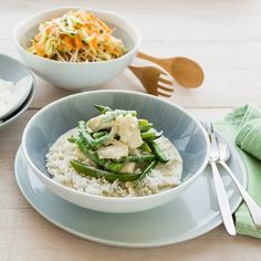 If you wantsome heat, you can add extra currypaste after you have served the kids(make sure you stir it in well). Thai Green Fish Curry, Thai Green Curry Paste, Ginger Green Beans, Jasmine Rice, Canned Coconut Milk, Steamed Rice, Fish Sauce, Risotto, Seafood