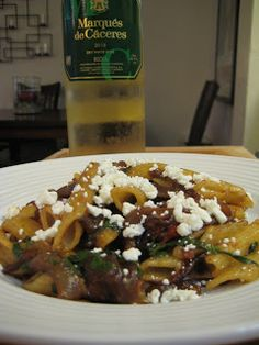 The Lush Chef: Caramelized Onion & Goat Cheese Pasta with White Wine