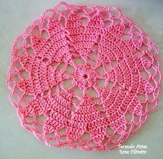 Blog in Portuguese but if you click through on the links you will find chart for this heart doily.