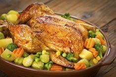 La farce est un ensemble d'aliments que l'on hache, que l'on précuit ou pas, avant de la mettre dans un légume pour faire des petits farcis par exemple une pomme de terre. La farce peut aussi garnir un poisson, une viande avant de la rouler ou une...