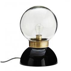Madam Stoltz Bordslampa Art Deco snygg fönsterlampa design Madam Stolz
