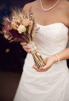 Stai organizzando un matrimonio alla fine dell'estate o in autunno e hai un budget ridotto? Hai pensato alla spiga come elemento protagonista nei tuoi...