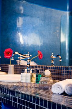 Blue-Mosaic-Stucco-Hotel-Bathroom-Architect-Interior-Designer-VillaForRent-Oia-Santorini-Greece