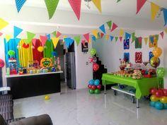 Decoración fiesta Plaza Sésamo Elmo Birthday, Birthdays, Party Ideas, Party Banners, Elmo Party, Baby Girl First Birthday, Boy's Day, Farmhouse, Christening