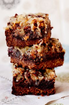 German-Chocolate-Brownies-with-Pecan-Crust