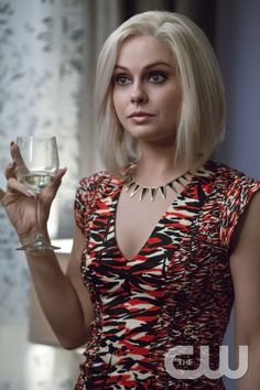 """iZombie """"Real Dead Housewife of Seattle"""" S2EP3"""