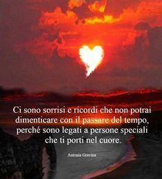 Racchiusi nel cuore Pablo Neruda, Me Quotes, Reflection, Positivity, Thoughts, Life, Battaglia, Mamma, Madonna