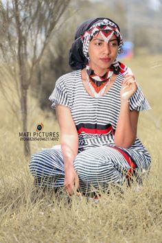 An Oromo girl wearing Wollega Oromo cultural clothing. #ethiopia #oromo Oromo People, Girls Wear, Ethiopia, Michael Jackson, Jewlery, Culture, Costumes, Clothing, How To Wear