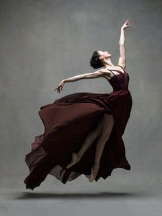 'Two American photographers, Ken Browar and Deborah Ory, began a project named 'NYC Dance Project' in an attempt to showcase the world of dance and dancers through the art of editorial photography. It includes captivating unique portraits of the entire dance community.' | http://www.nycdanceproject.com/
