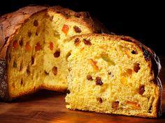 Un giro alla ricerca dei dolci tipici della Lombardia per scoprire le tradizioni culinarie natalizie di tutte le provincie.