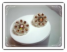 Lucite Flower Earrings - Vintage White w Brown Rhinestones   E411a-04081200