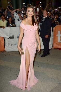 Penelope Cruz at 2012 Toronto International Film Festival (love the colour of the dress)