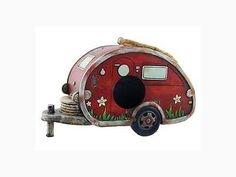 Birdhouse-Camper-Trailer-RV-Collectible-Garden-Decor-8in-Bird-House-New