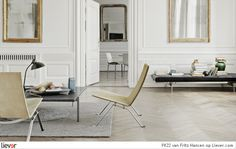 7 Persistent Clever Tips: Minimalist Living Room Apartment Carpet minimalist decor plants living rooms.Bohemian Minimalist Home Living Spaces modern minimalist living room dream homes.Minimalist Home Bedroom Shelves. Estilo Interior, Interior Styling, Wainscoting Styles, Black Wainscoting, Wainscoting Hallway, Wainscoting Kitchen, Painted Wainscoting, Wainscoting Height, Painted Floors