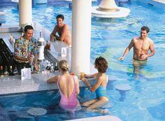 Pool Bar. LOVES.